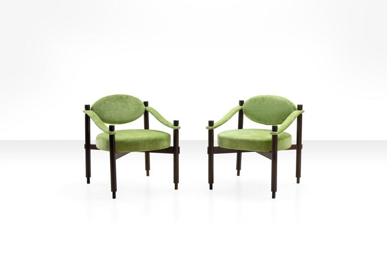 Italian Pair of Armchairs by Raffaella Crespi in Green Textured Velvet, Italy, 1960s For Sale