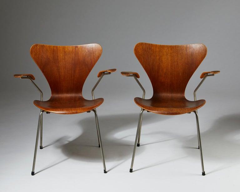 Danish Pair of Armchairs Designed by Arne Jacobsen for Fritz Hansen, Denmark. 1950's.  For Sale