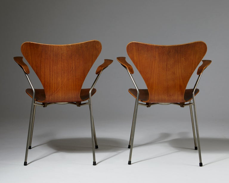 Mid-20th Century Pair of Armchairs Designed by Arne Jacobsen for Fritz Hansen, Denmark. 1950's.  For Sale