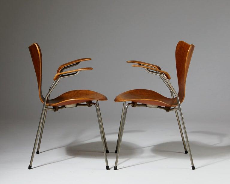 Pair of Armchairs Designed by Arne Jacobsen for Fritz Hansen, Denmark. 1950's.  For Sale 1