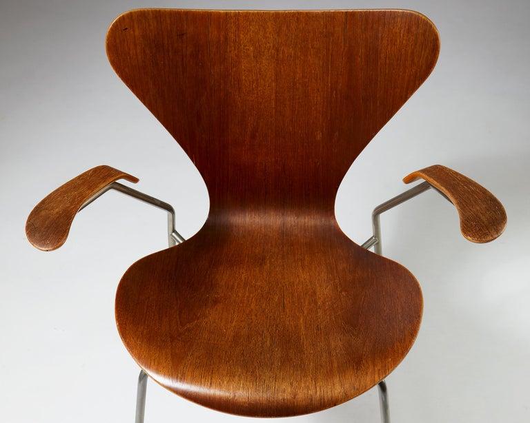 Pair of Armchairs Designed by Arne Jacobsen for Fritz Hansen, Denmark. 1950's.  For Sale 2