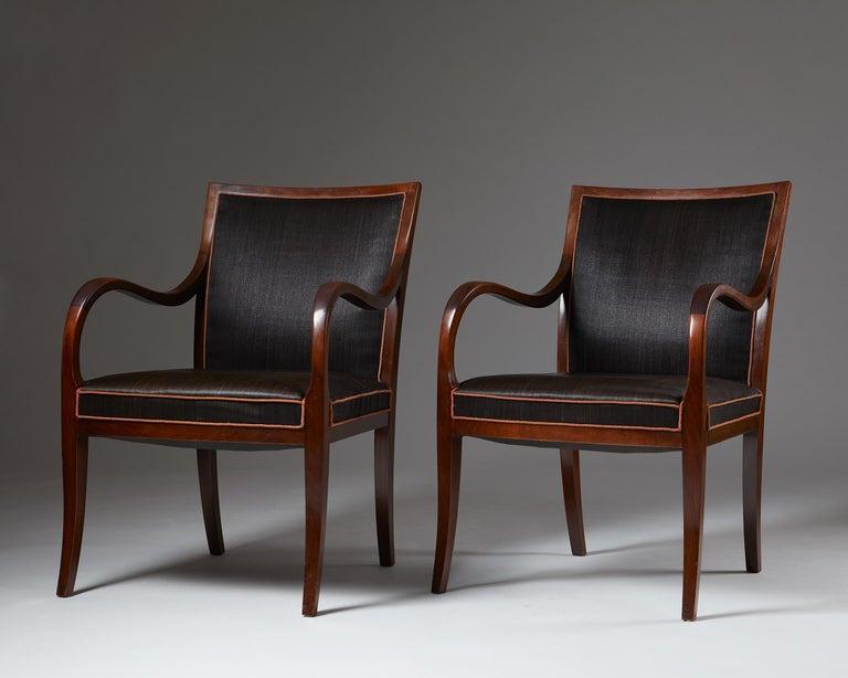 Scandinavian Modern Pair of Armchairs Designed by Frits Henningsen for Frits Henningsen, Denmark, 19
