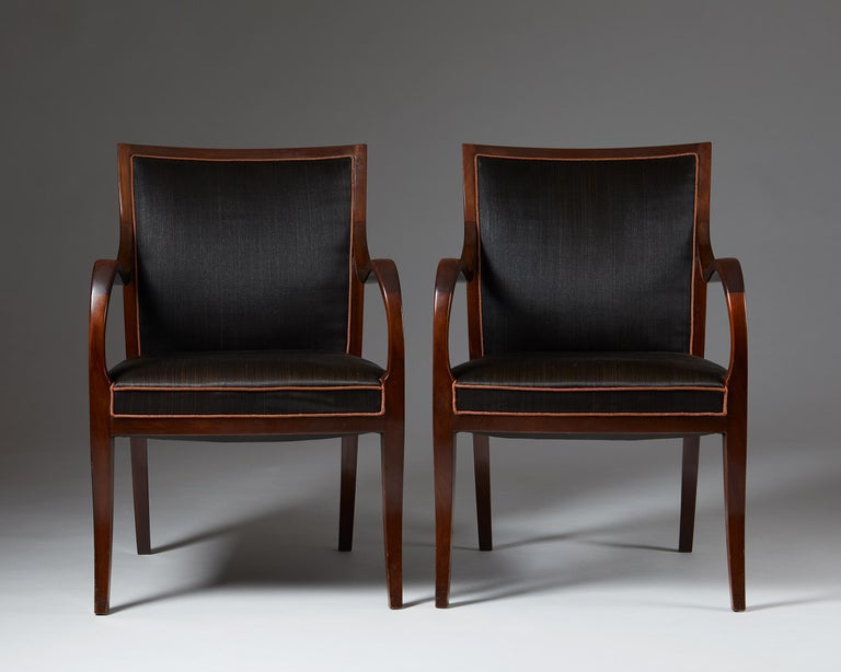 Pair of Armchairs Designed by Frits Henningsen for Frits Henningsen, Denmark, 19 In Good Condition In Stockholm, SE