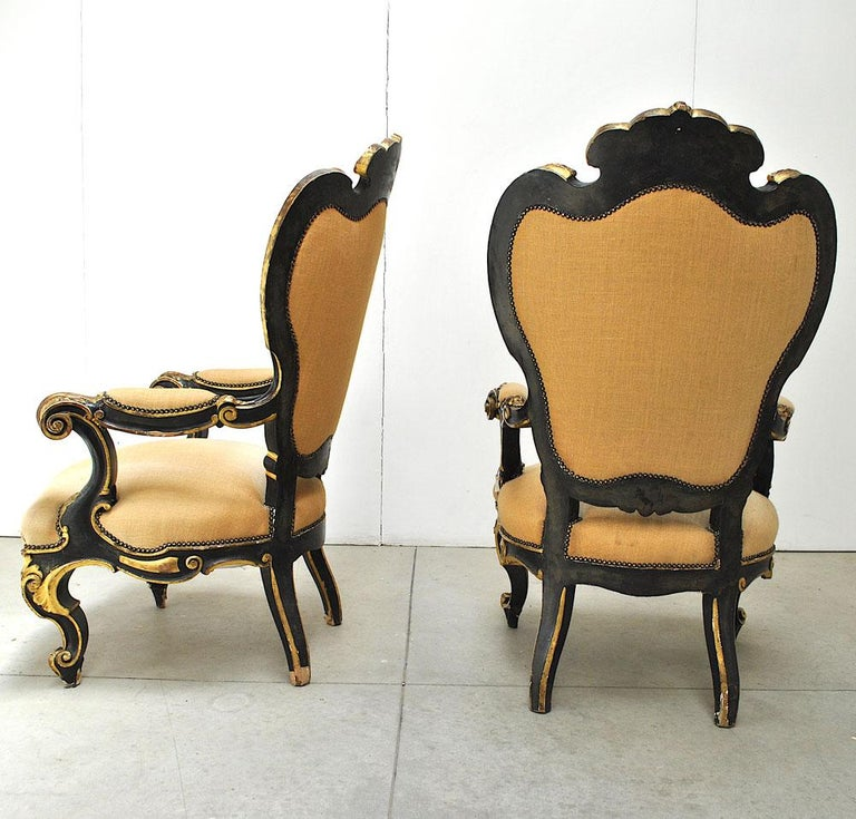 Pair of Armchairs in Black Lacquer Wood, Mid-18th Century For Sale 4