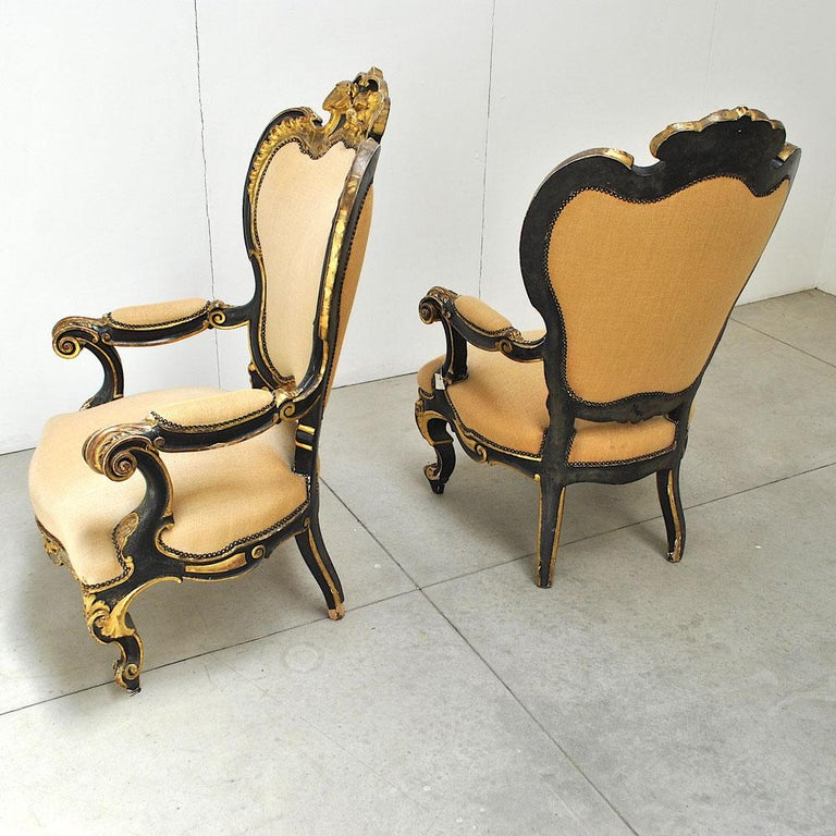 Pair of Armchairs in Black Lacquer Wood, Mid-18th Century For Sale 6