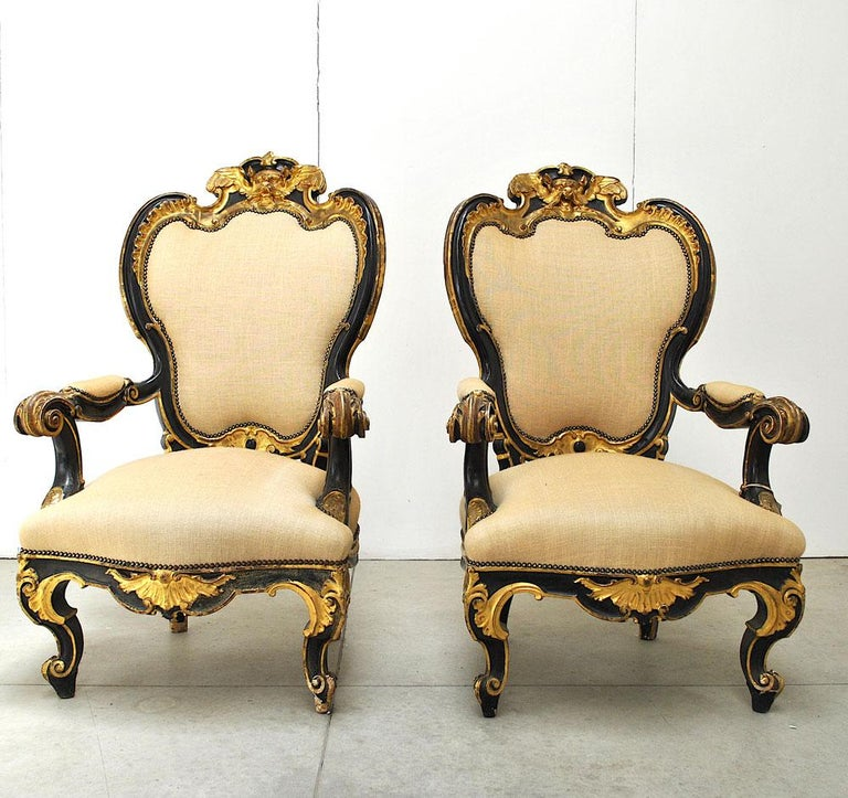 Italian Pair of Armchairs in Black Lacquer Wood, Mid-18th Century For Sale