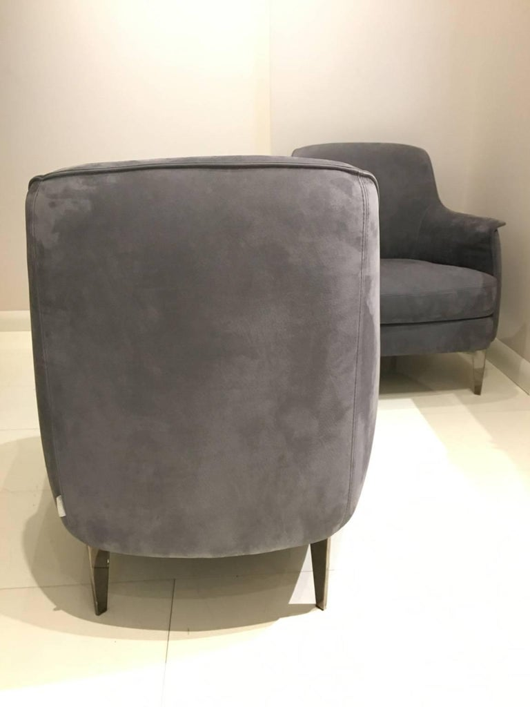 Pair of Armchairs in Light Grey Nubuk Leather with Black Chrome Legs by Cierre In New Condition For Sale In Chicago, IL