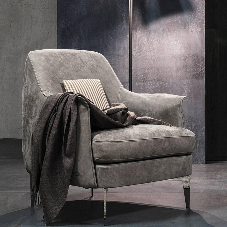 Pair of Armchairs in Light Grey Nubuk Leather with Black Chrome Legs by Cierre For Sale 1