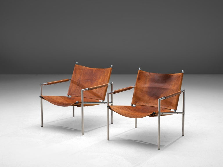 Mid-Century Modern Pair of Armchairs in Patinated Cognac Leather by Martin Visser For Sale
