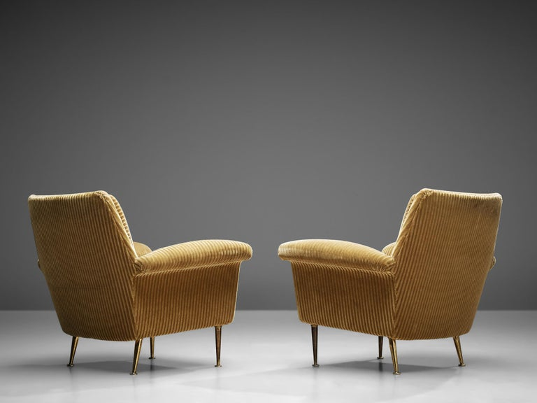 Pair of Armchairs in Yellow Velvet Upholstery For Sale 2