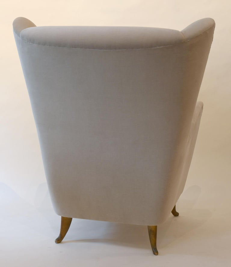 20th Century Pair of Armchairs Isa Bergamo with Brass Legs, Midcentury 1950 Italy For Sale