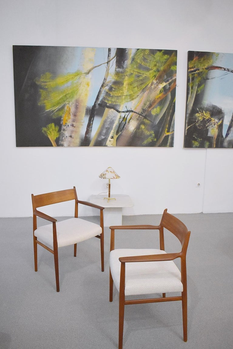 Pair of vintage Arne Vodder armchair for Sibast. Model 418 manufactured in Denmark. The chair has been reupholstered with a high-quality fabric in beige. 