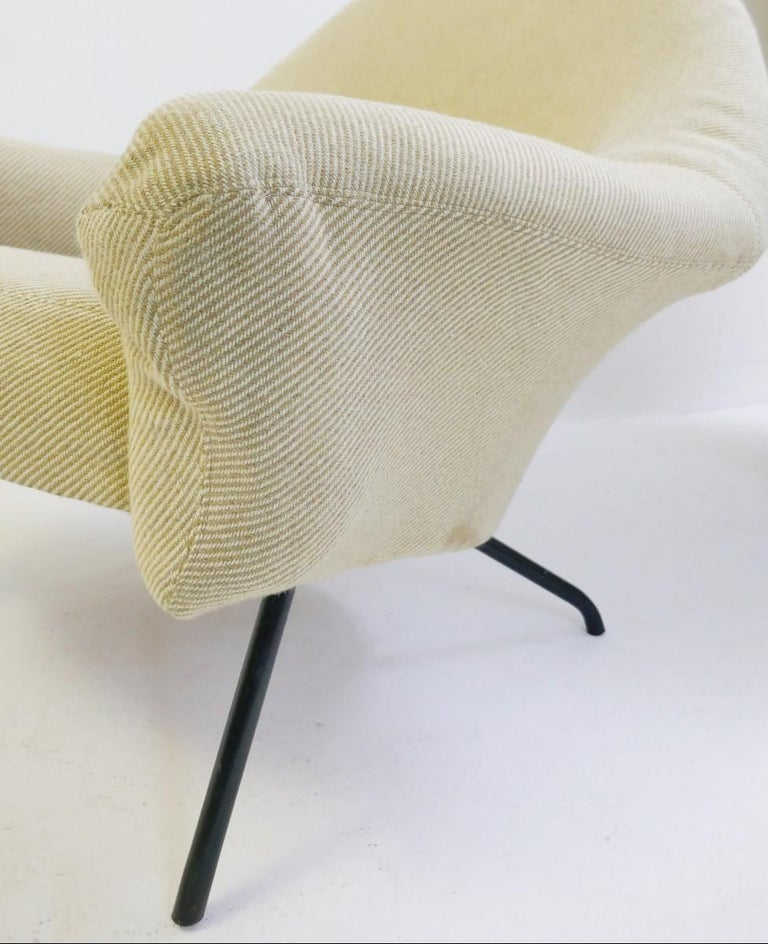 Mid-Century Modern Pair of Armchairs Model 770 by Joseph-André Motte, 1958 For Sale