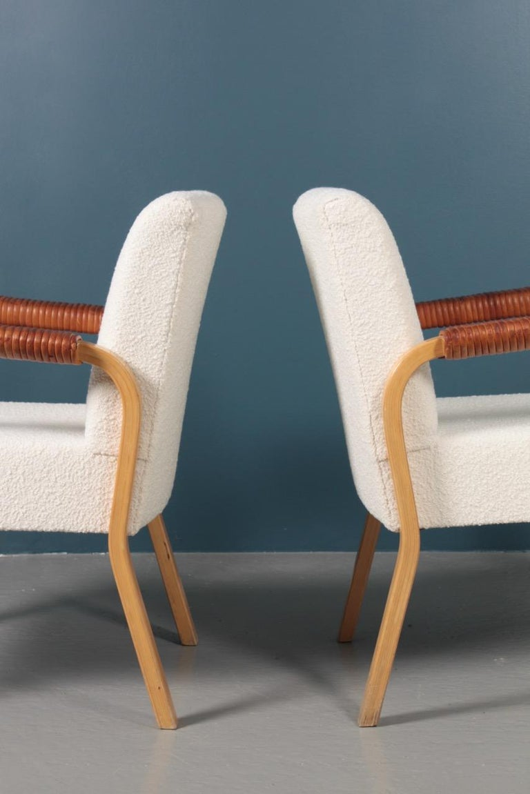 Pair of Armchairs with Bouclé and Patinated Leather by Alvar Aalto, 1950s For Sale 2