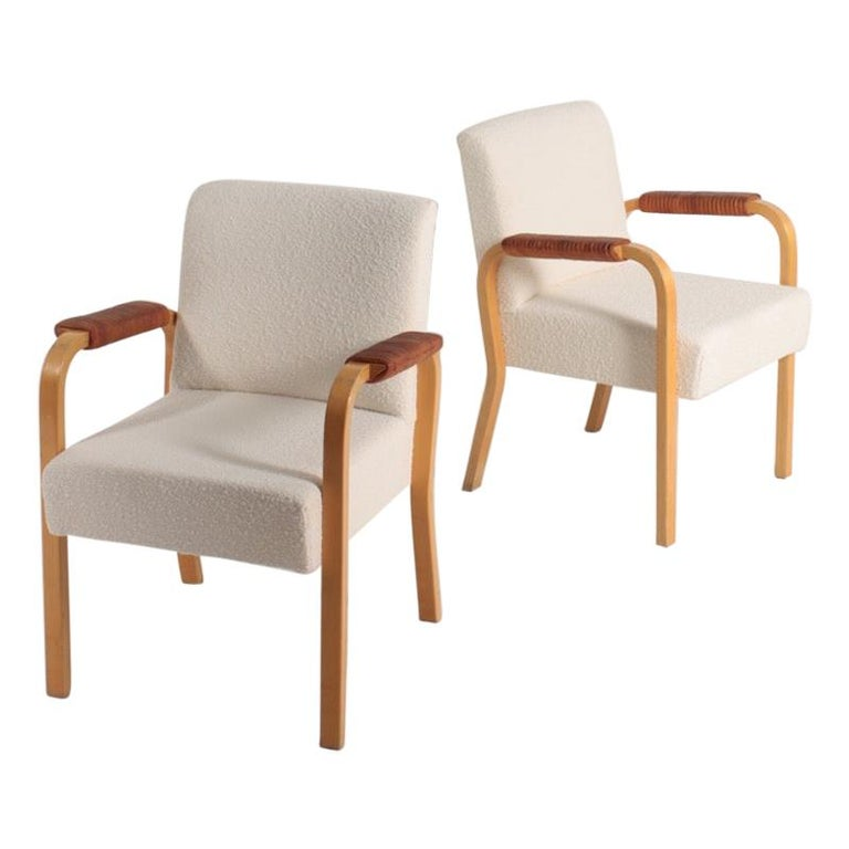 Pair of Armchairs with Bouclé and Patinated Leather by Alvar Aalto, 1950s For Sale