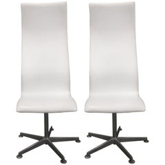 Pair of Arne Jacobsen Denmark Oxford Swivel Chairs High Back Style, 3172