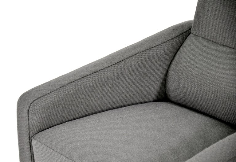 Pair of Arne Jacobsen for Fritz Hansen Series 3300 Gray Lounge Chairs For Sale 11