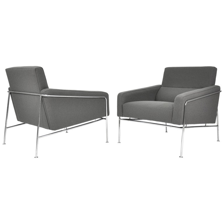 Pair of Arne Jacobsen for Fritz Hansen Series 3300 Gray Lounge Chairs For Sale