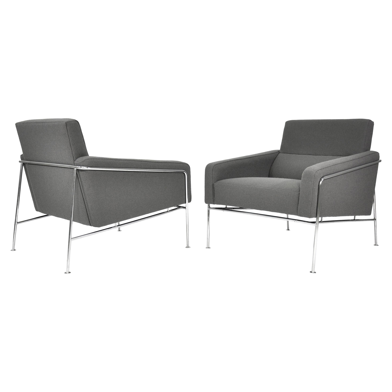 Pair of Arne Jacobsen for Fritz Hansen Series 3300 Gray Lounge Chairs