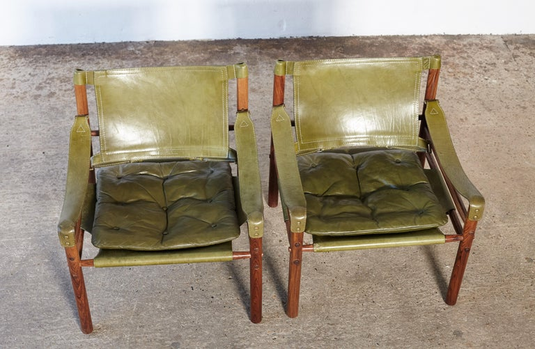 Pair of Arne Norell Rosewood Safari Chairs, Green Leather, Sweden, 1970s 6