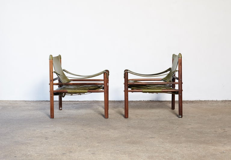 Pair of Arne Norell Rosewood Safari Chairs, Green Leather, Sweden, 1970s In Good Condition In London, GB