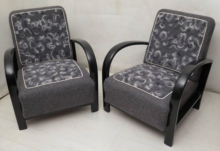 Pair of Art Deco Black Shellac and Wool Italian Armchairs, 1940 In Excellent Condition For Sale In Rome, IT