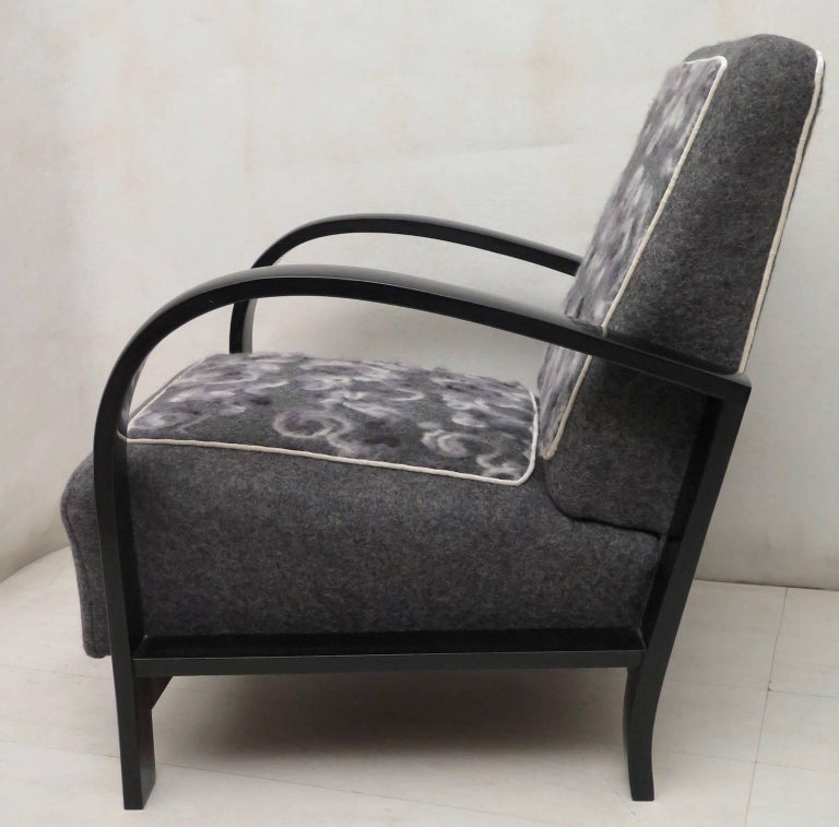 Pair of Art Deco Black Shellac and Wool Italian Armchairs, 1940 For Sale 1