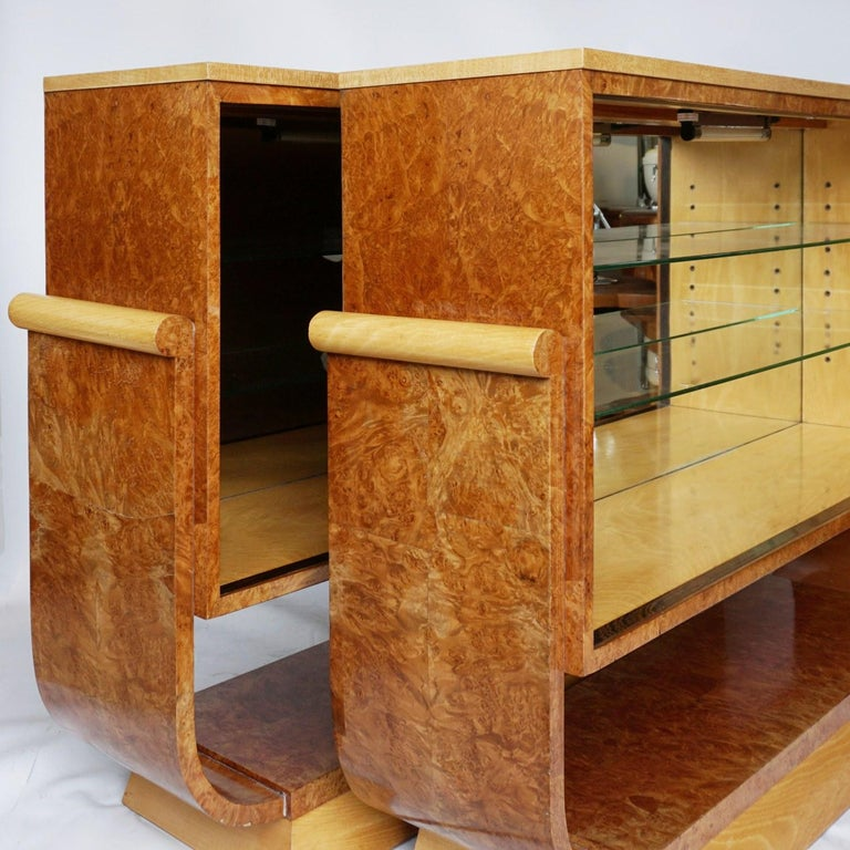Pair of Art Deco Bookcases by Harry & Lou Epstein Burr Walnut and Satin Birch For Sale 5