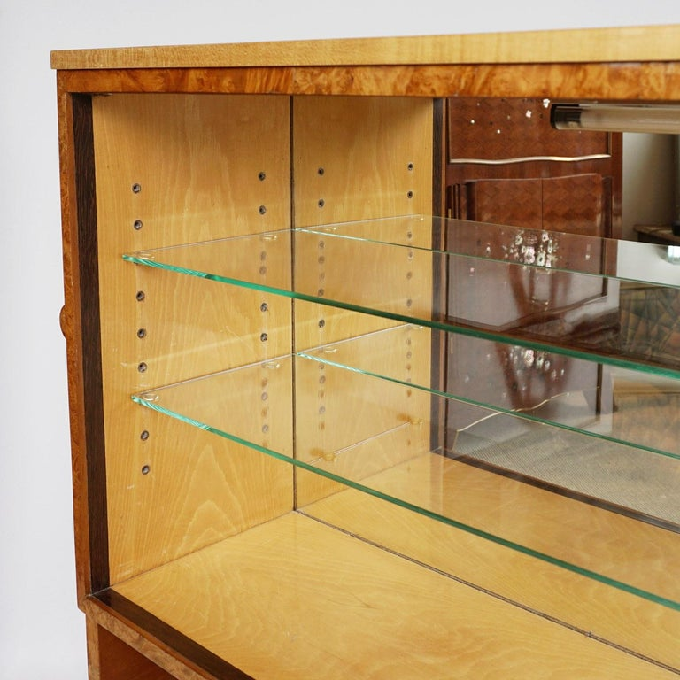 Pair of Art Deco Bookcases by Harry & Lou Epstein Burr Walnut and Satin Birch In Good Condition For Sale In Forest Row, East Sussex