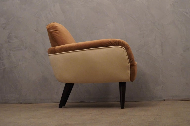 Pair of Art Deco Brown and Withe Italian Armchairs, 1940 For Sale 4