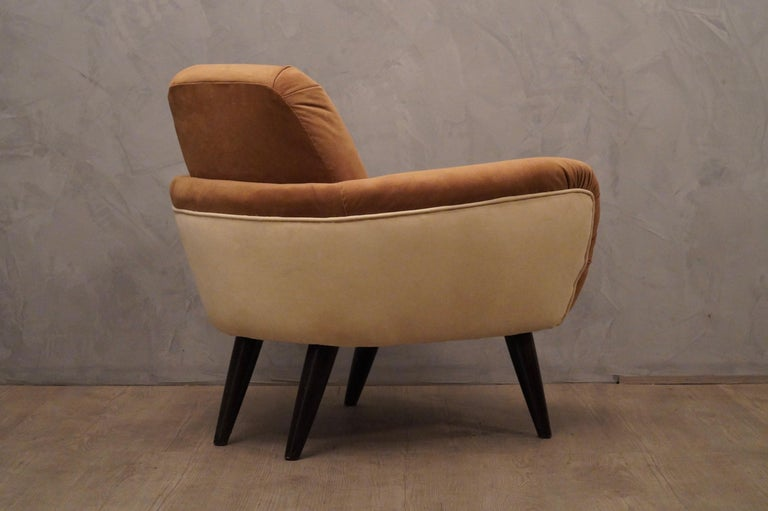 Mid-20th Century Pair of Art Deco Brown and Withe Italian Armchairs, 1940 For Sale
