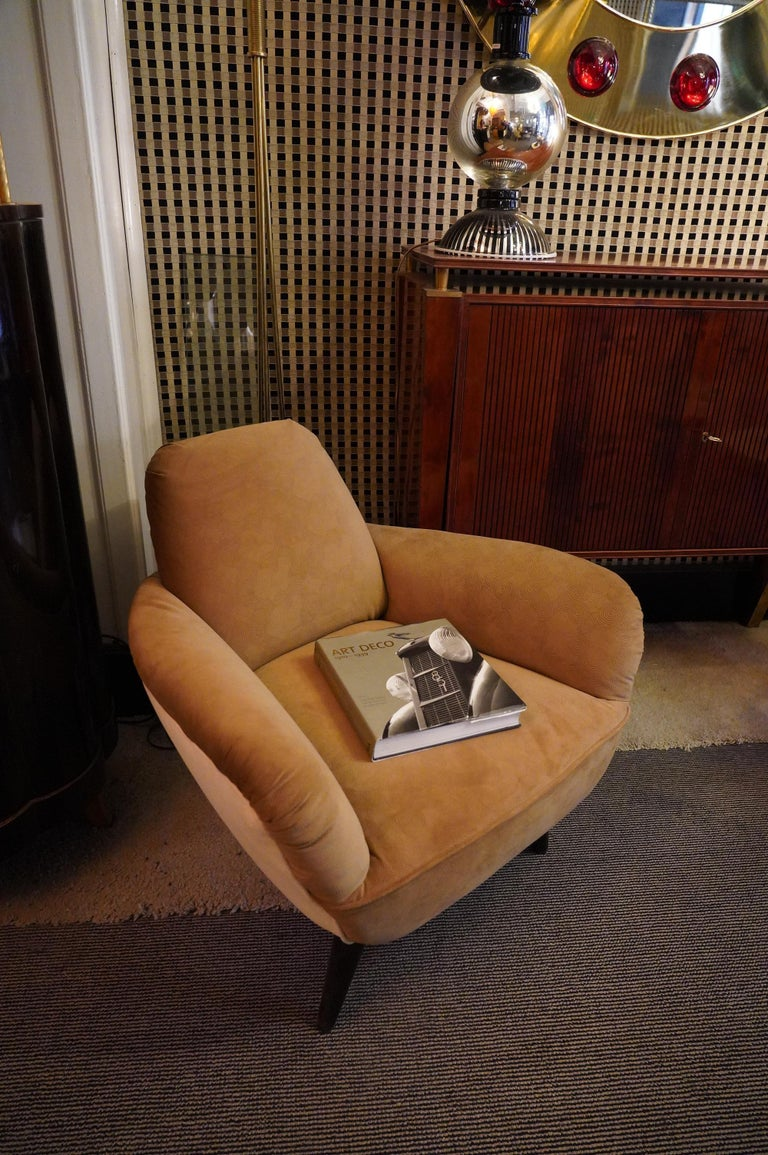 Pair of Art Deco Brown and Withe Italian Armchairs, 1940 For Sale 1