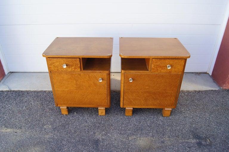European Pair of Art Deco Burl Wood Nightstands For Sale