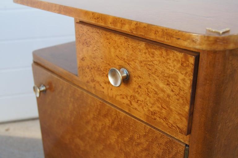 Pair of Art Deco Burl Wood Nightstands For Sale 2