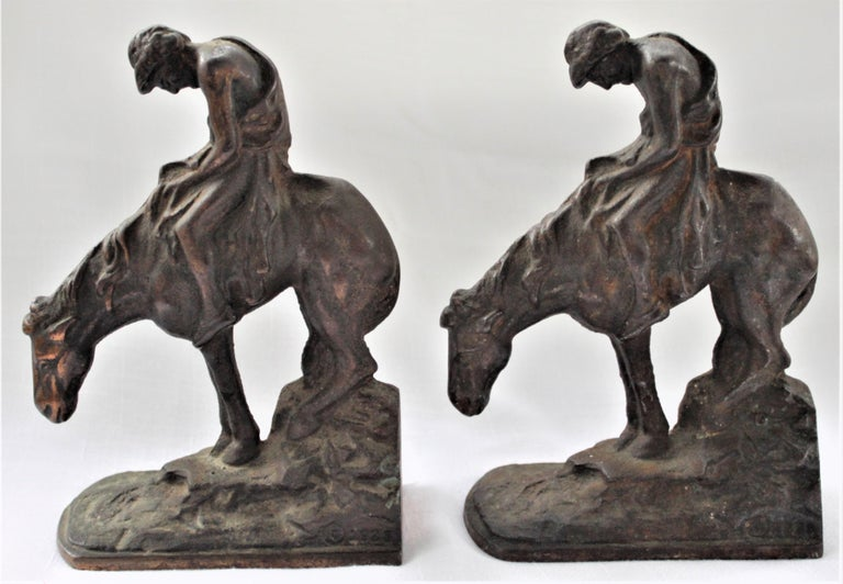 American Pair of Art Deco Cast Bronzed Metal Western Cowboy Themed Sculptural Bookends For Sale
