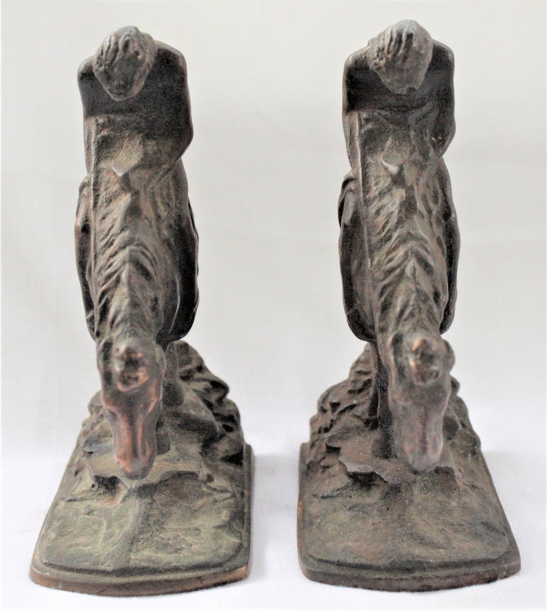 20th Century Pair of Art Deco Cast Bronzed Metal Western Cowboy Themed Sculptural Bookends For Sale