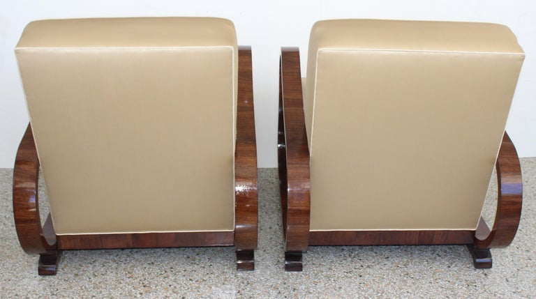 Pair of Art Deco Club Chairs Attributed to Jindřich Halabala For Sale 3