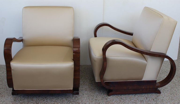 Hand-Crafted Pair of Art Deco Club Chairs Attributed to Jindřich Halabala For Sale