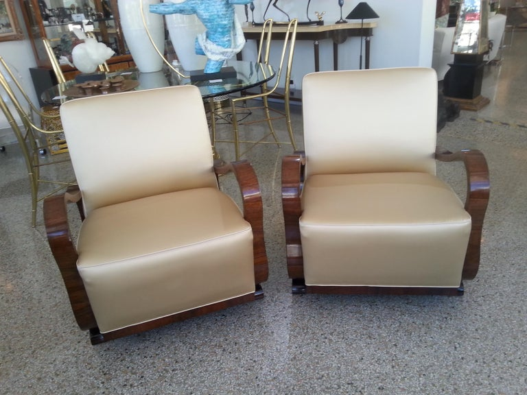 Pair of Art Deco Club Chairs Attributed to Jindřich Halabala In Good Condition For Sale In West Palm Beach, FL
