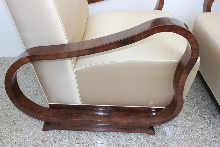 Pair of Art Deco Club Chairs Attributed to Jindřich Halabala For Sale 1