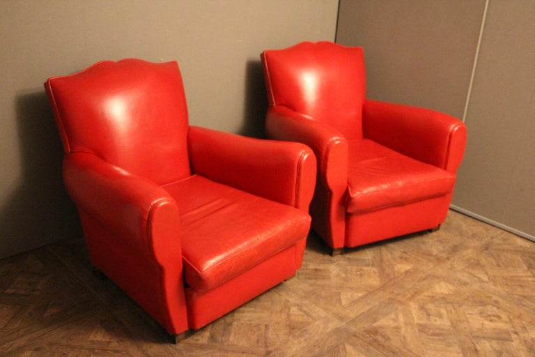 Pair of Art Deco French Mustache Back Club Chairs in Red Leather In Good Condition For Sale In Saint-Ouen, FR