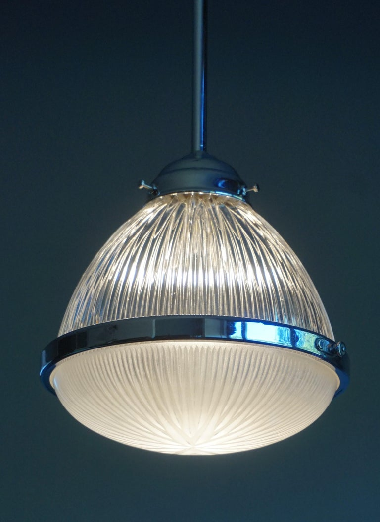 Pair of Art Deco Holophane Pendant Lights Made in England 1909 with New Rods In Excellent Condition For Sale In Lisse, NL
