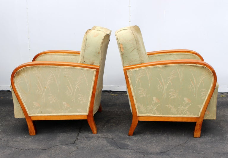 1930s Art Deco club chairs, wood is shellacked and in very good condition. Chairs need an upholstery.
