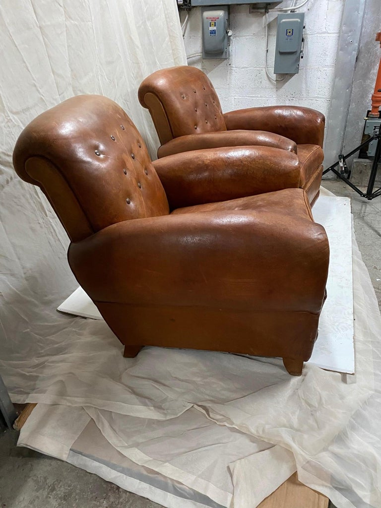 Pair of Art Deco Leather Club Chairs In Good Condition For Sale In Montreal, QC