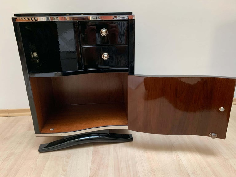 Pair of Art Deco Nightstands, Black Lacquer and Chrome, France, circa 1930 1