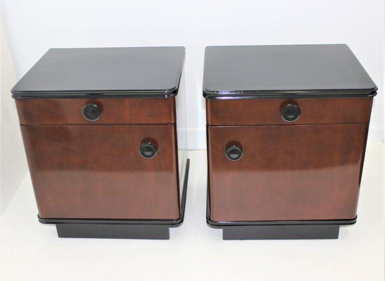 Pair of Art Deco Nightstands For Sale 3