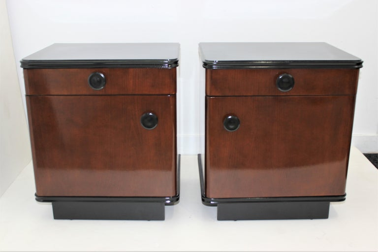 Pair of Art Deco Nightstands For Sale 4
