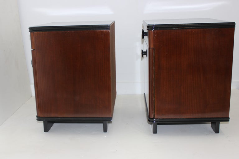 Mid-20th Century Pair of Art Deco Nightstands For Sale