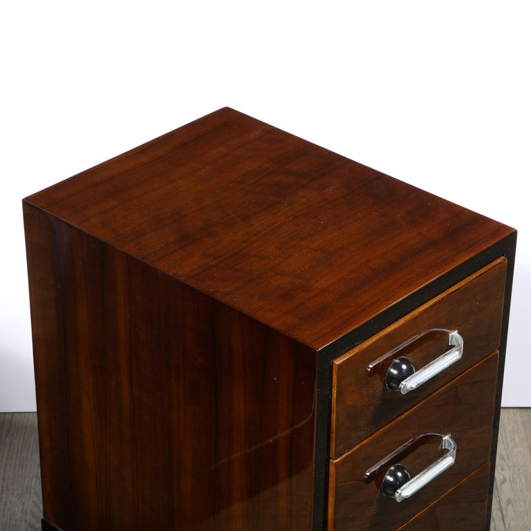 Pair of Art Deco Nightstands in Lacquer & Walnut w/ Streamlined Chrome Pulls In Excellent Condition For Sale In New York, NY