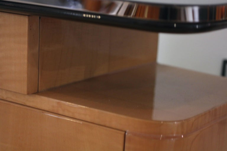 Pair of Art Deco Nightstands, Maple and Chrome, France, circa 1940 For Sale 9